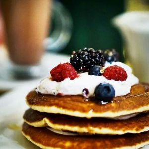 best brunch spots in glasgow - pancakes at browns