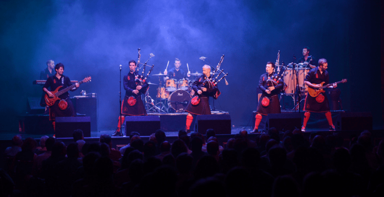 Red Hot Chilli Pipers - Hogmanay