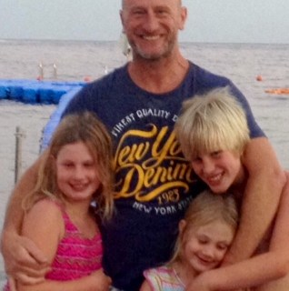 Julien and his 3 children