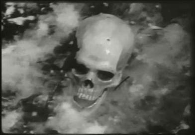 Sikoltó koponyák