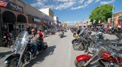 Sturgis - az idei legnagyobb motoros fesztivál élet-halál kérdése?
