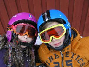 Rodzinny wyjazd na narty z dziećmi