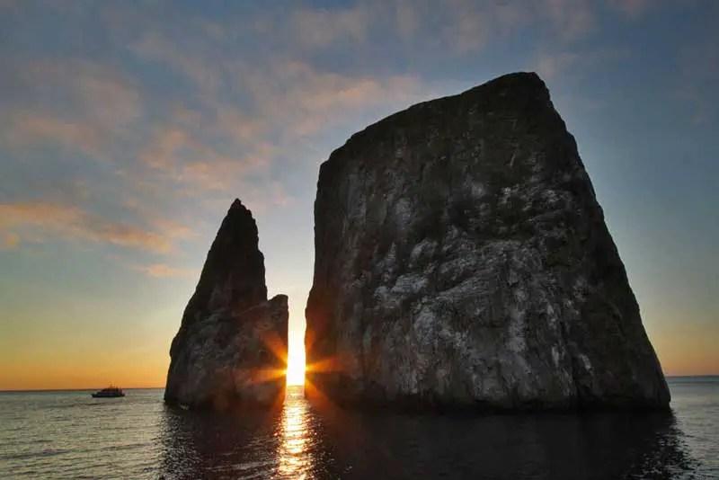 Photo Kicker Rock At Sunset San Cristobal Island Galapagos Ecuador