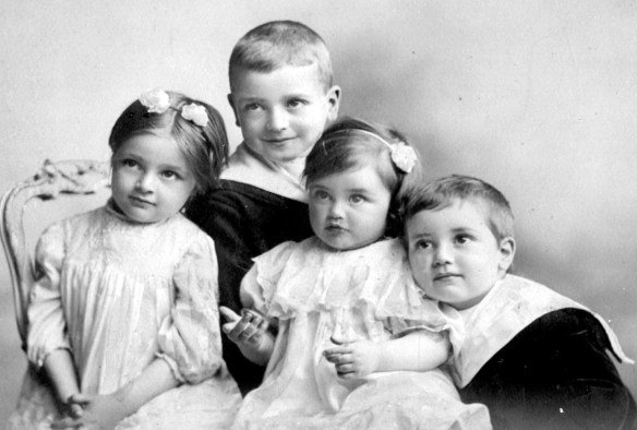 Children of Bob and Margaret Scott, Fairyknowe