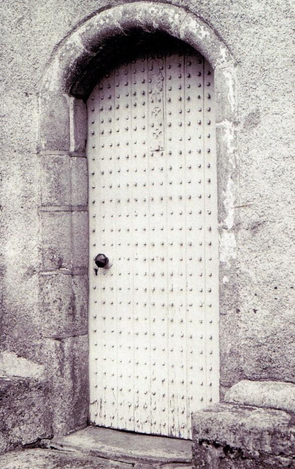 abergeldie-tower-door