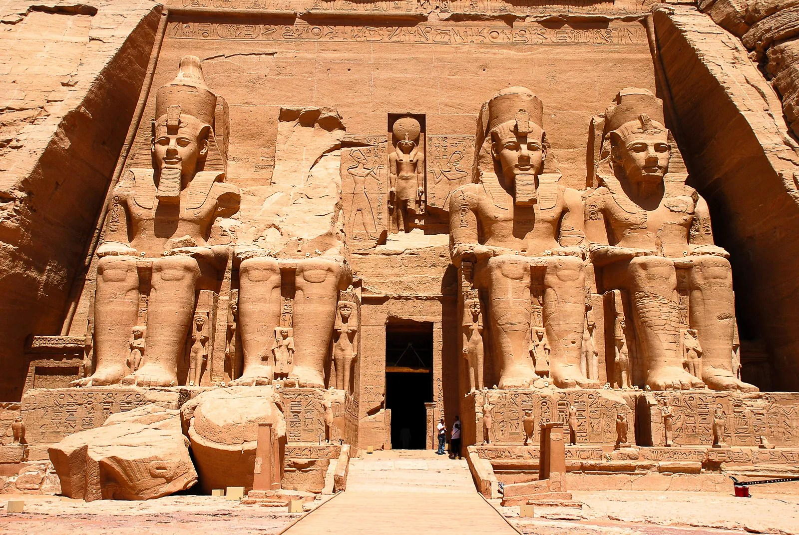 Abu Simbel in a Day? Tricky but possible