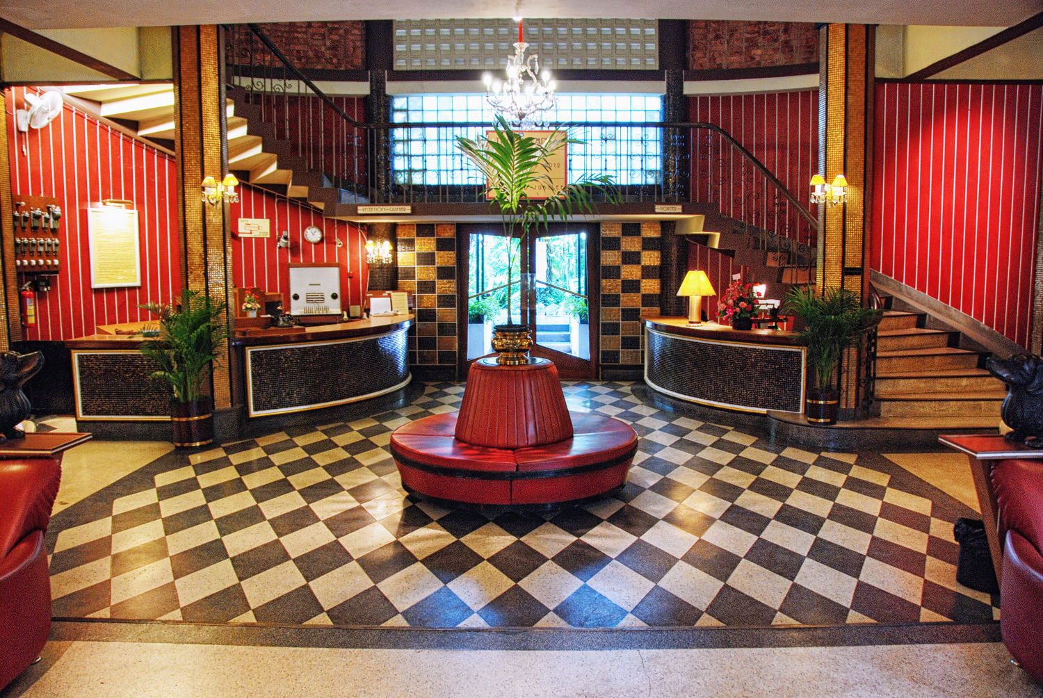An Ode to the Atlanta Hotel, Bangkok