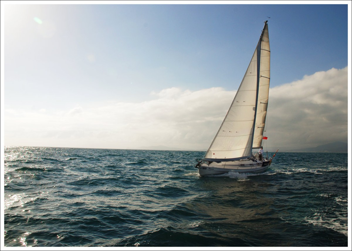 Learn to Sail the Royal Yachting Association Way - The Best Way?