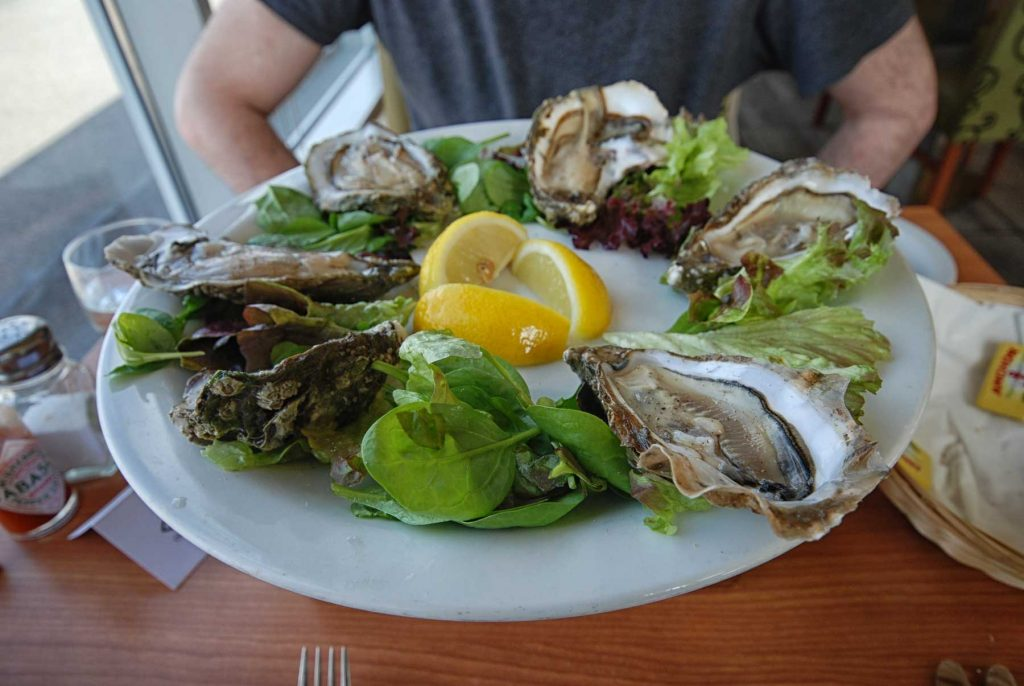 plate of fresh oysters at Ee-Usk Restaurant