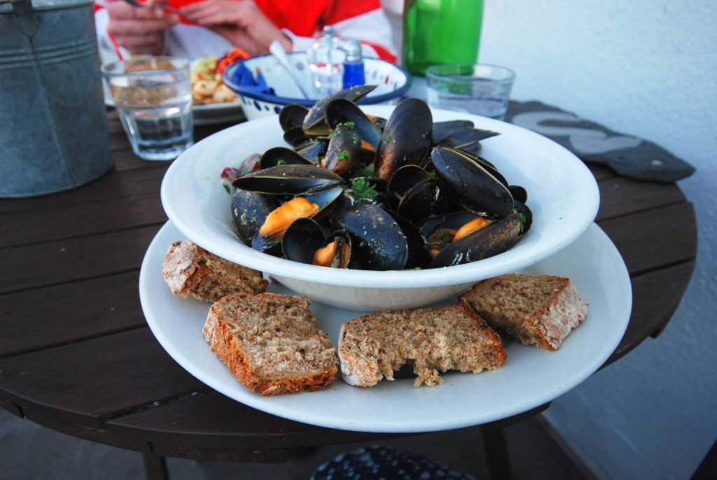 meal of cooked mussels at Tobermory