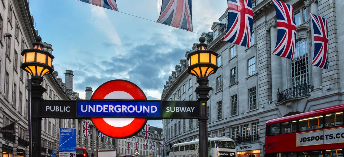 A London day trip by low-cost airline: Crazy, stupid, or great?