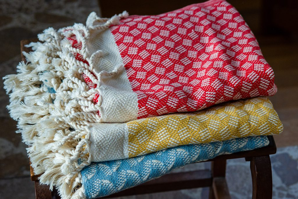 handwoven organic hand towels in traditional design from Jennifers Hamam in Istanbul