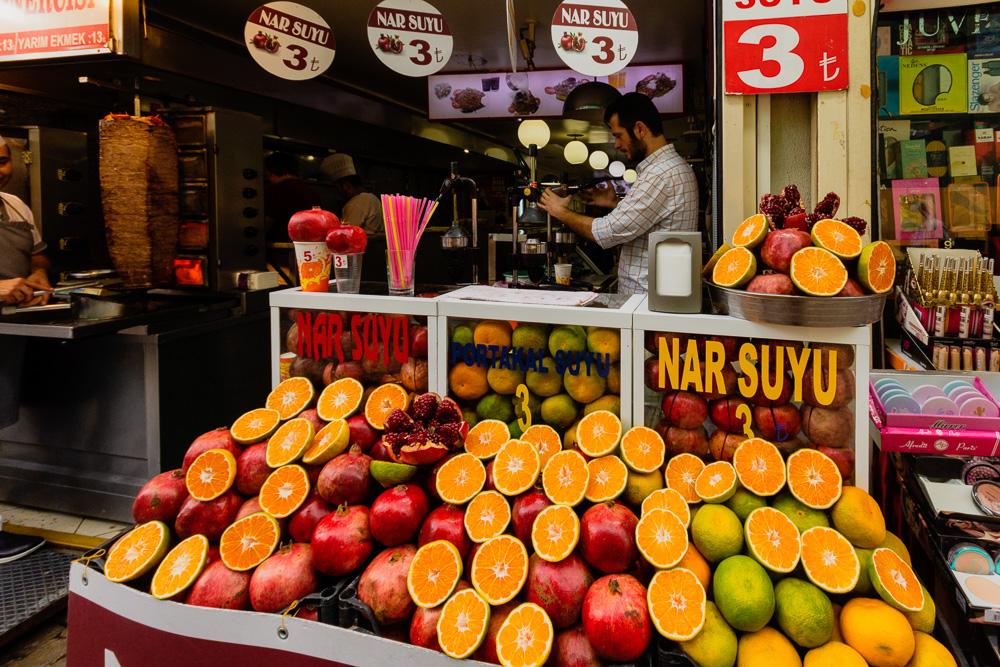 Shopping in Kemeralti Bazaar in Izmir