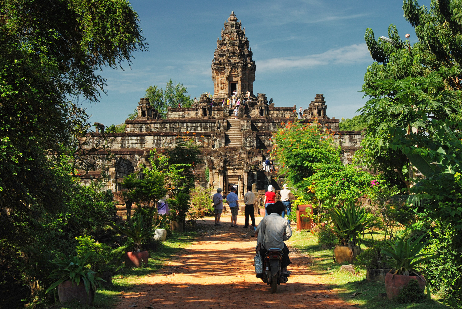Travels with my Godmother: Uncrowded Angkor Wat