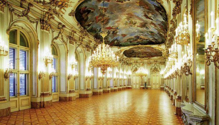 Austria-Tour-Schoenberg-Castle-inside