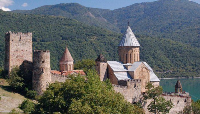 Georgia-tour-Ananuri-Monastery-06