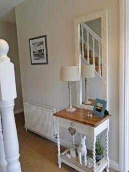 Brooke Cottage Dunfanaghy - entrance hallway