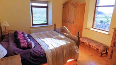 Horn Head Lodge - ground floor bedroom
