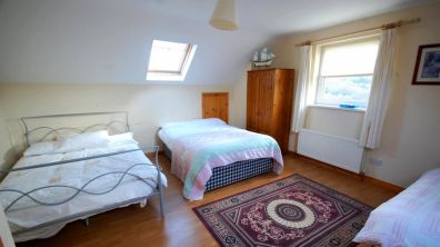 Portnablagh Holiday Home - family bedroom