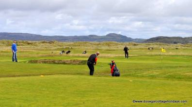 Portnablagh Holiday Home - golf at Dunfanaghy