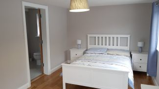 Corran View Dunfanaghy - ensuite bedroom