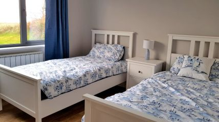 Corran View Dunfanaghy - twin bedroom