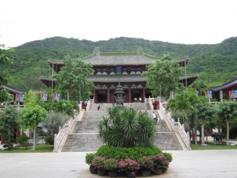 Отдых на острове Хайнань, центр буддизма «Наньшань»
