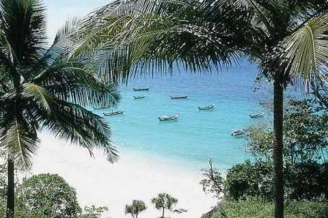 Отдых на островах Тайланда - пляж в бухте Найхан
