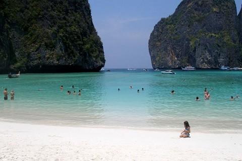 Отдых на островах Тайланда, остров Пи Пи Лей, пляж в бухте Maya Bay