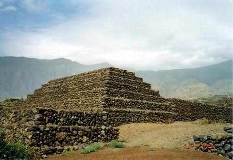 Отдых на острове Тенерифе, Пирамиды Гуимар