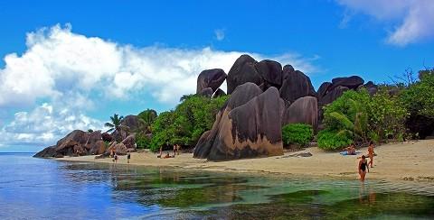 отдых на Сейшельских островах, остров Ла Диг - гранитные валуны причудливых форм