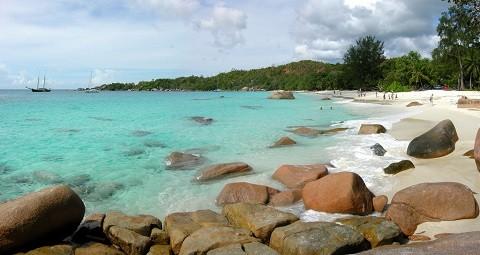 Отдых на Сейшельских островах, Праслин -пляж Ансе Лацио, его особенность - гранитные валуны различных размеров
