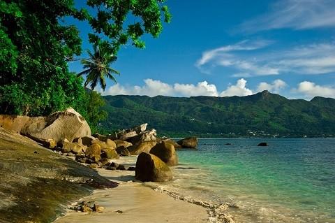 отдых на Сейшельских островах, остров Силуэт - живописные горные склоны
