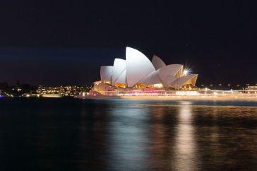 640px-sydney_opera_house_vivid_sydney_2012