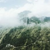 Photo for the blog post about the best places in Sri Lanka. The Little Adam Peak. Green mountain.