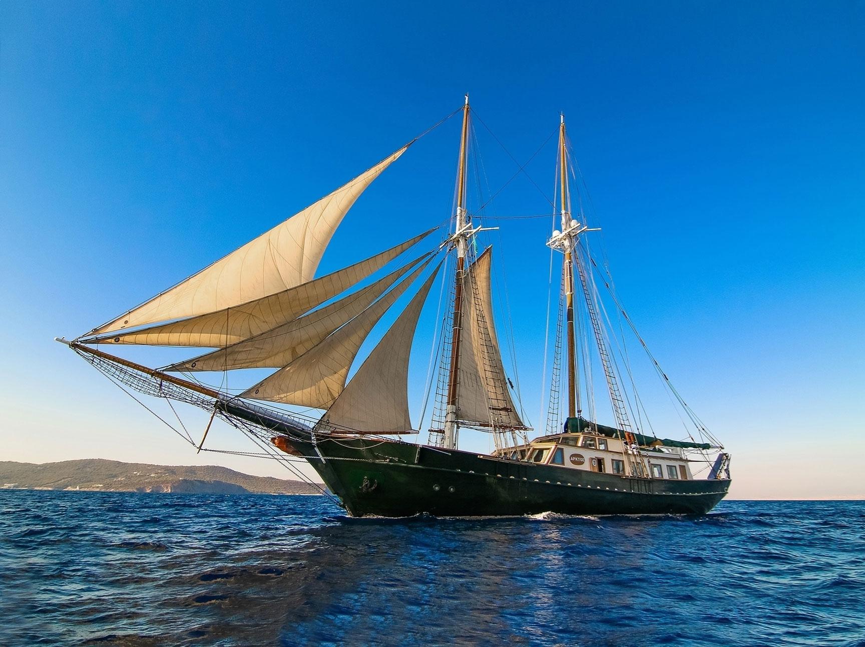 Sailing Boat in Mykonos