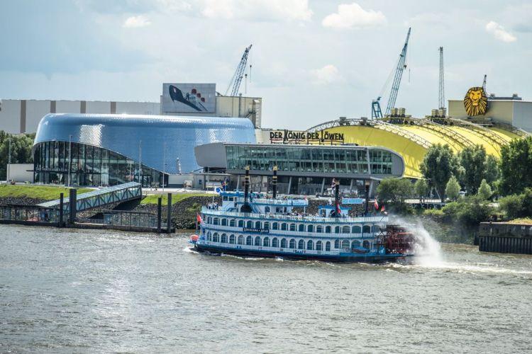 Разходка с лодка в Хамбург