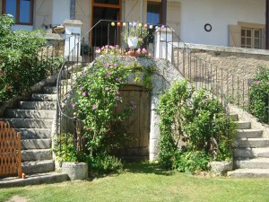 Stairgates even on the garden stone steps