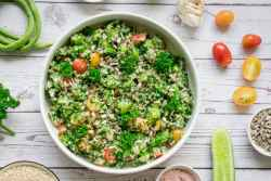 finished shot of quinoa tabbouleh salad ready to eat