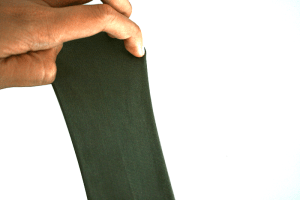 Stretch conductive fabric stretches easily remains electrically conductive