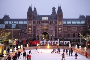 winter is coming in Holland- ijsbaan-rijksmuseum-amsterdam