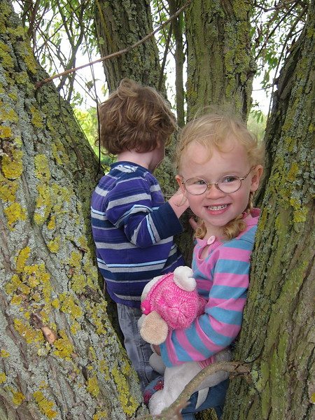 Flora likes the tree