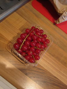 Lovely currants