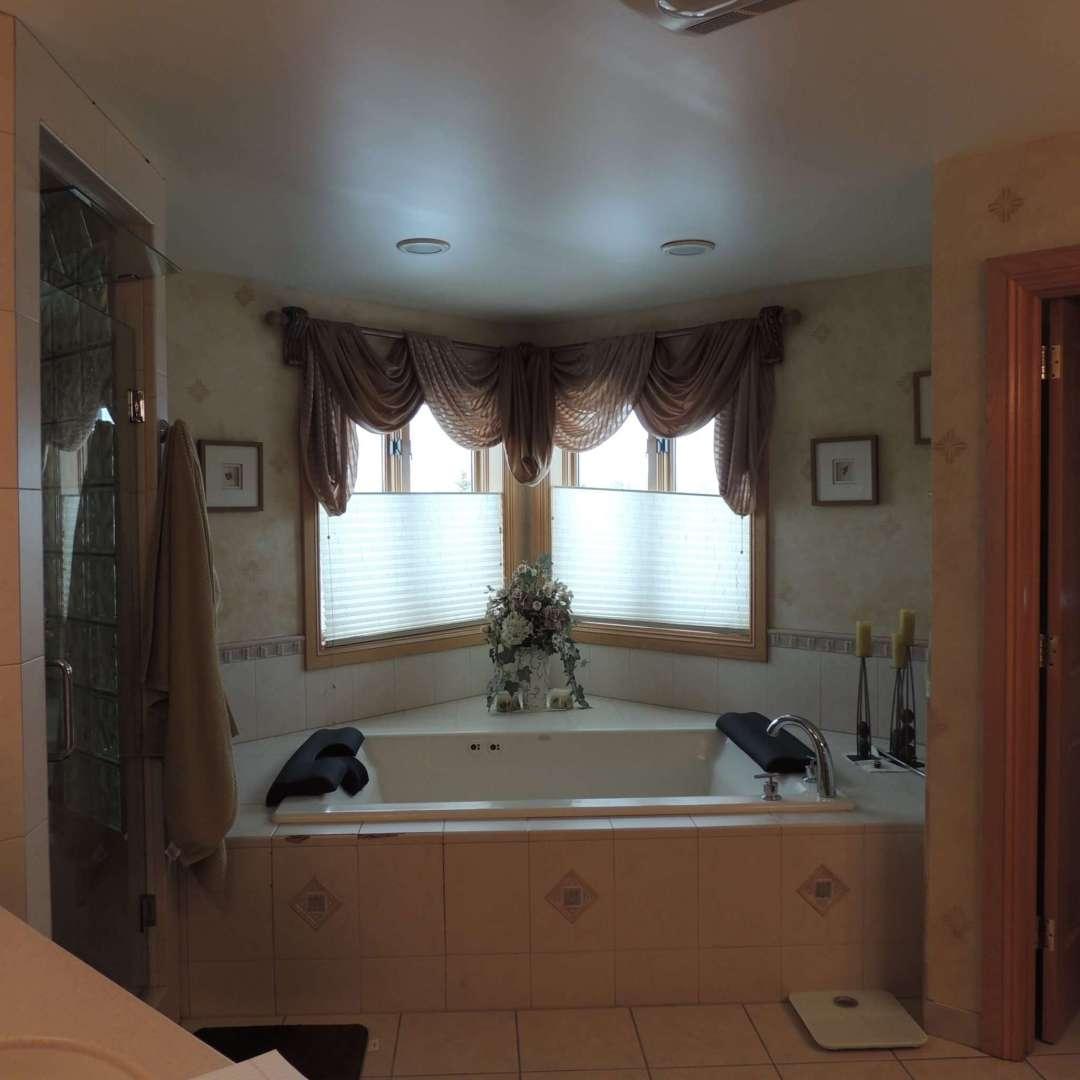 interior designer: master bath before