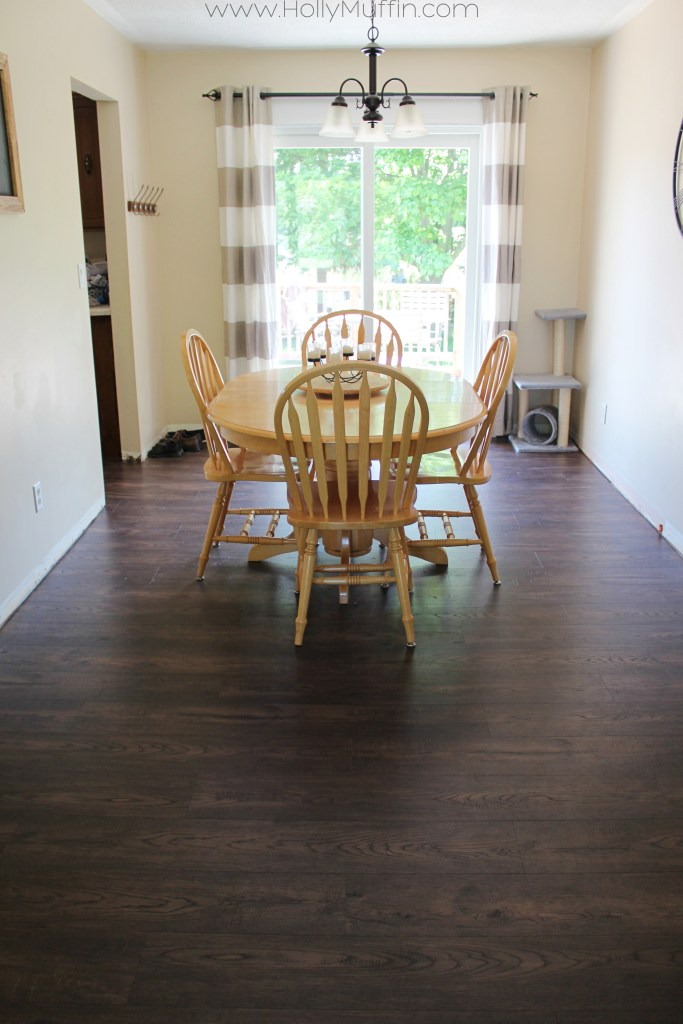 Dining room with Golden Select Smokey Barrel
