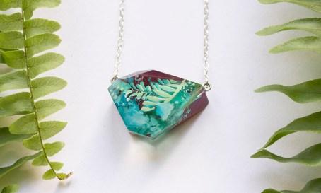 Botanical Gemstone Fragment Necklace