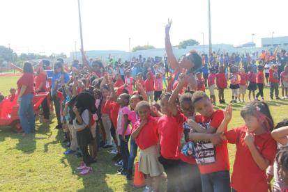 IMG_9325 Bethune Elementary students 'give peace a chance'