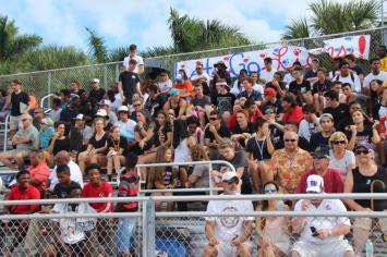 cmfooty5 School spirit plentiful at Chaminade-Madonna