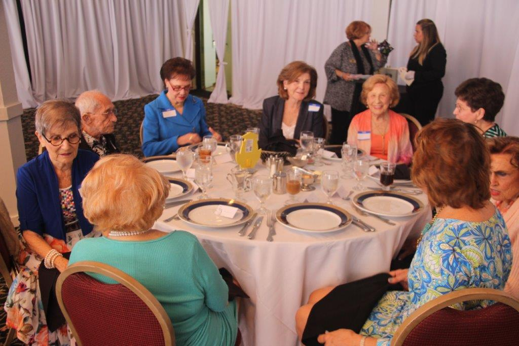 IMG_3243 Hollywood, Florida Scholarship Foundation helps local college-bound students