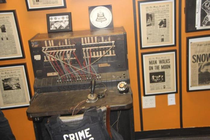 Crime tours and gallery opens in downtown hollywood